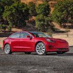 Электромобиль Tesla Model 3 можно открыть с помощью смартфона