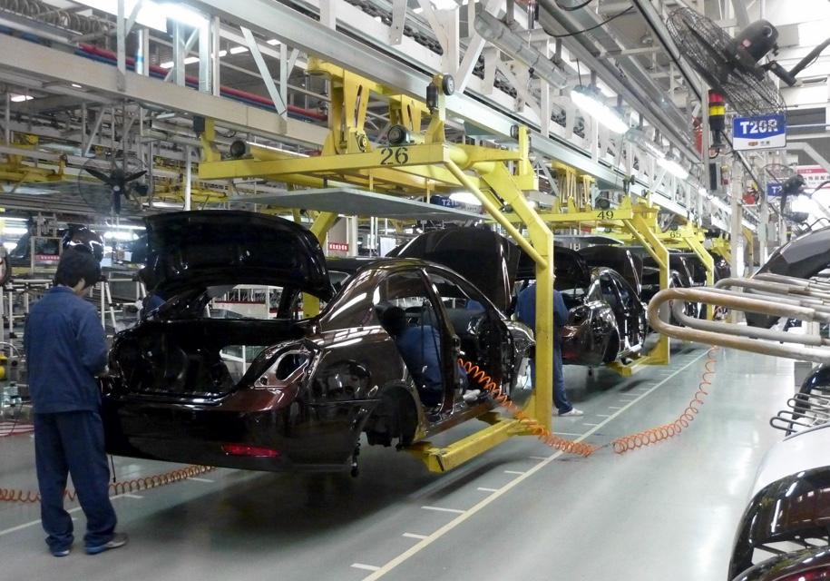 Китайцы запретят выпуск 553 моделей автомобилей